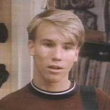 90210 scott-small