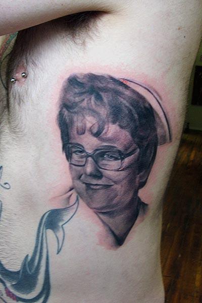 tattoo tattoos memorial grandma portrait drunk face tat grandmother comediva map re skinhead navigator gps