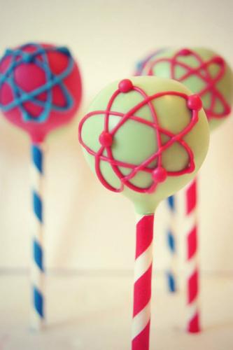 Atom-Cake-Pop